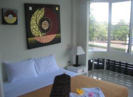 Hotels in Cha Am: De La Mer Hotel (double Room)