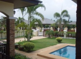 Baan Tawan pool Villa in Cha-am huren