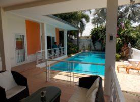 centrally located pool villa Huahin