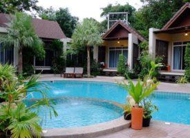 Beautiful Baan Klangaow Resort