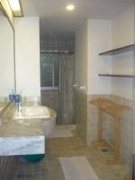 Shower rm 1.JPG