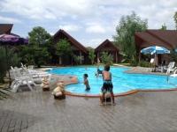swimmingpool2.jpg