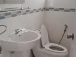 bathroom Golden Sea Village Bankrut (2).jpg