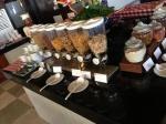 kamala-beach-resort-ontbijt.jpg