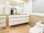 bath room pool villa samroiyot huur (2).jpg