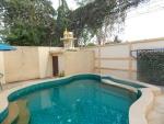 Swimming pool villa cha-am.JPG