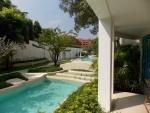 Chelona swimmingpool
