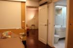 Baan Sechuan shower bathroom